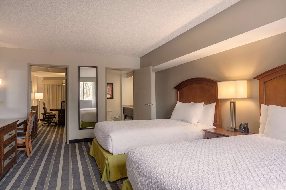 Room, Embassy Suites by Hilton San Francisco Airport Waterfront