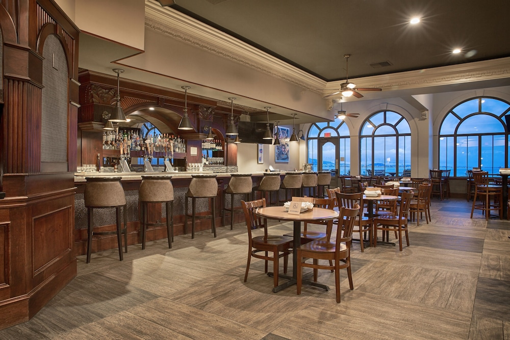 Bar, Embassy Suites by Hilton San Francisco Airport Waterfront