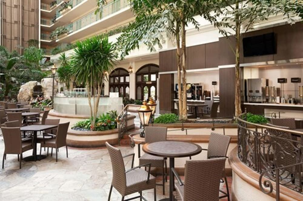 Lobby, Embassy Suites by Hilton San Francisco Airport Waterfront