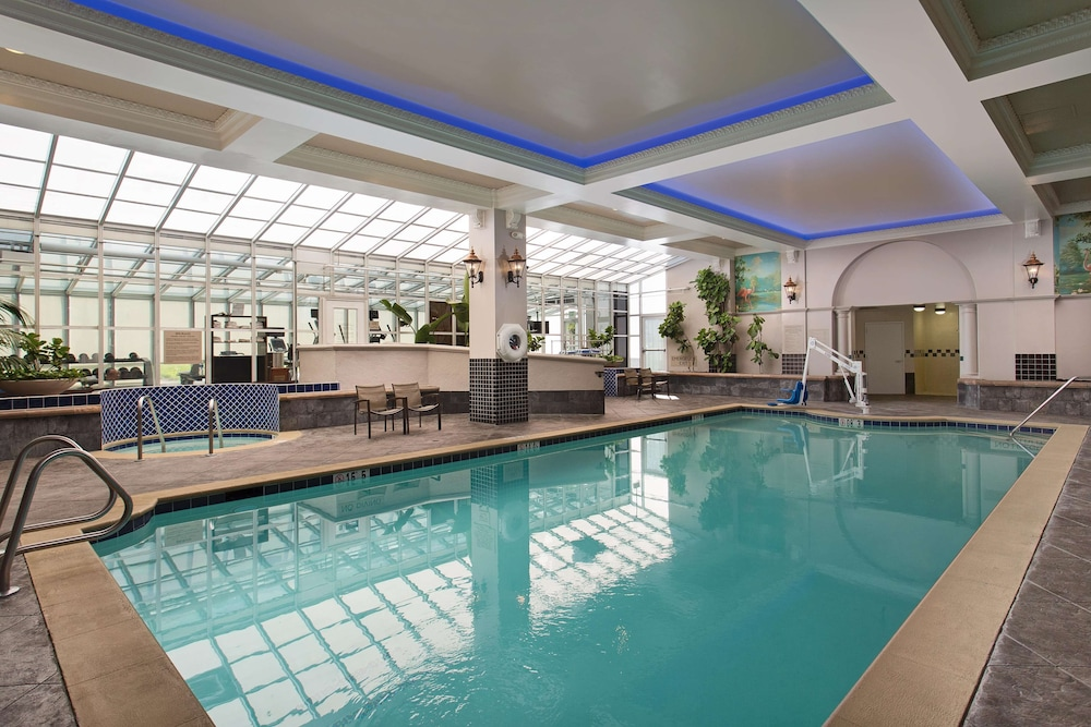 Pool, Embassy Suites by Hilton San Francisco Airport Waterfront