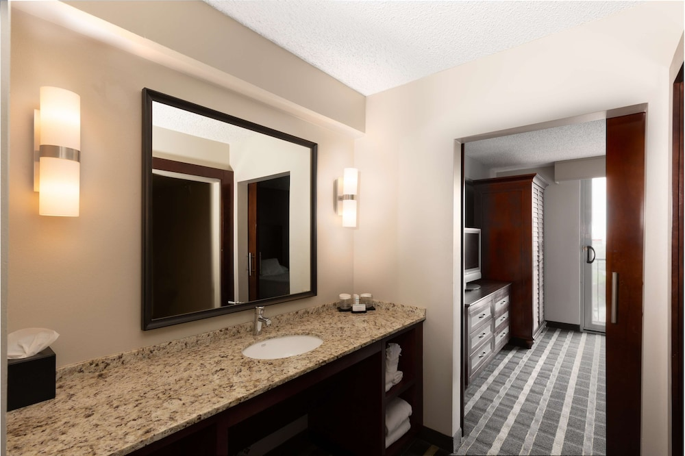 Room Amenity, Embassy Suites by Hilton San Francisco Airport Waterfront