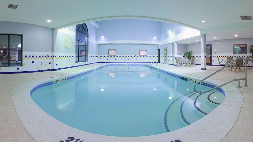 Indoor Pool, Country Inn & Suites by Radisson, Griffin, GA