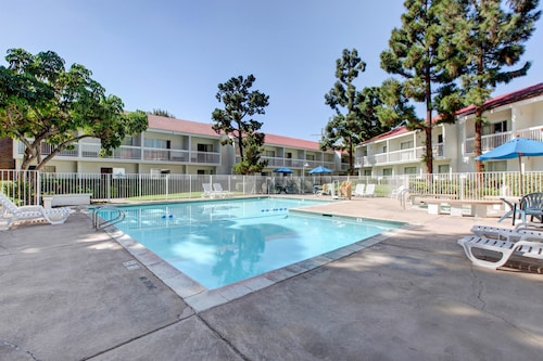 Motel 6 Santa Ana, CA - Irvine - Orange County Airport