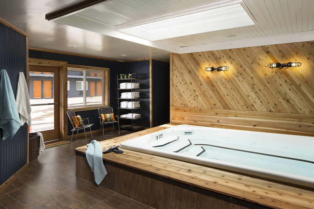 Indoor Spa Tub, Basecamp Boulder