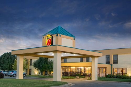 Super 8 by Wyndham Wichita South