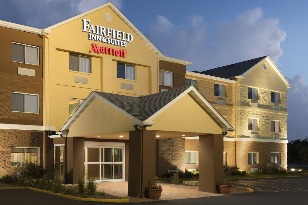 Front of Property - Evening/Night, Fairfield Inn & Suites Chicago Tinley Park