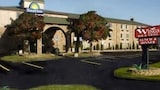 Days Inn Detroit Metropolitan Airport - Romulus Hotels