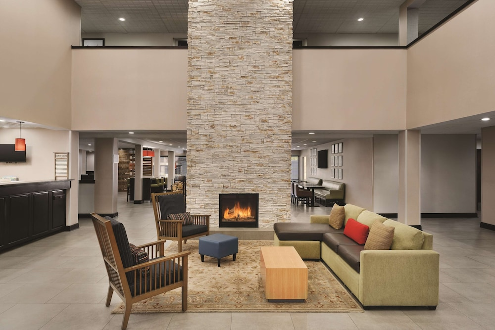 Lobby, Country Inn & Suites by Radisson, Florence, SC