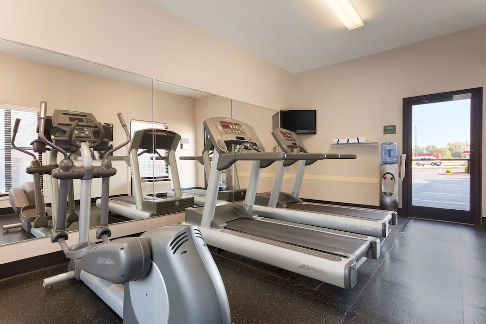 Fitness Facility, Country Inn & Suites by Radisson, Florence, SC