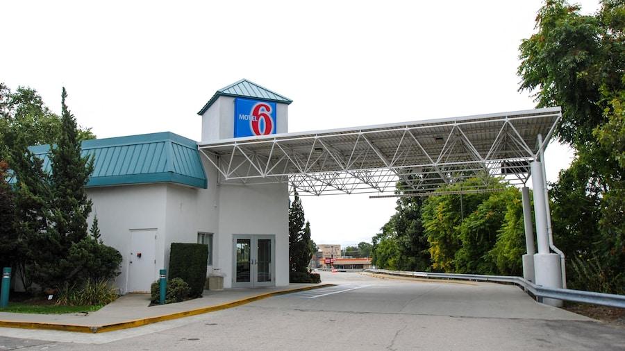 Motel 6 Warwick, RI - Providence Airport - I-95