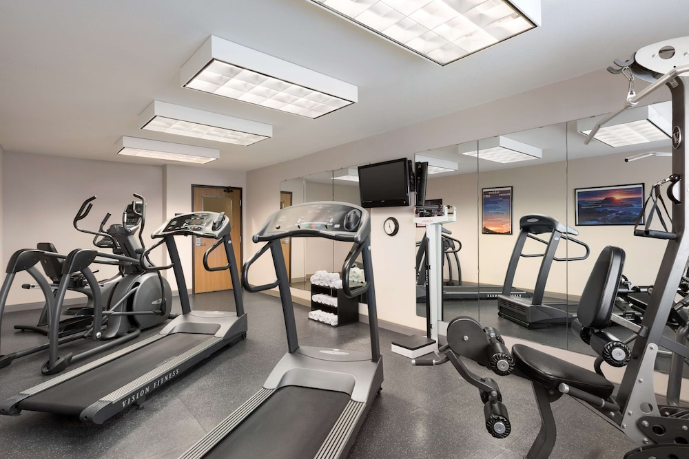 Fitness Facility, Country Inn & Suites by Radisson, Sidney, NE