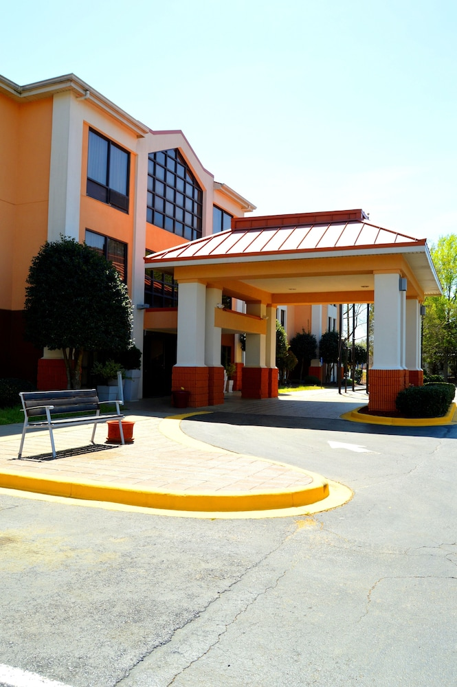 Exterior, Holiday Inn Express Hotel & Suites Lexington-Hwy 378, an IHG Hotel