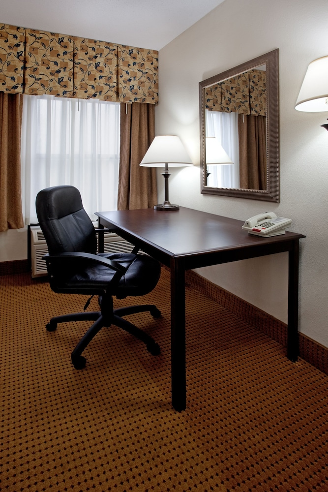 Room, Holiday Inn Express Hotel & Suites Lexington-Hwy 378, an IHG Hotel