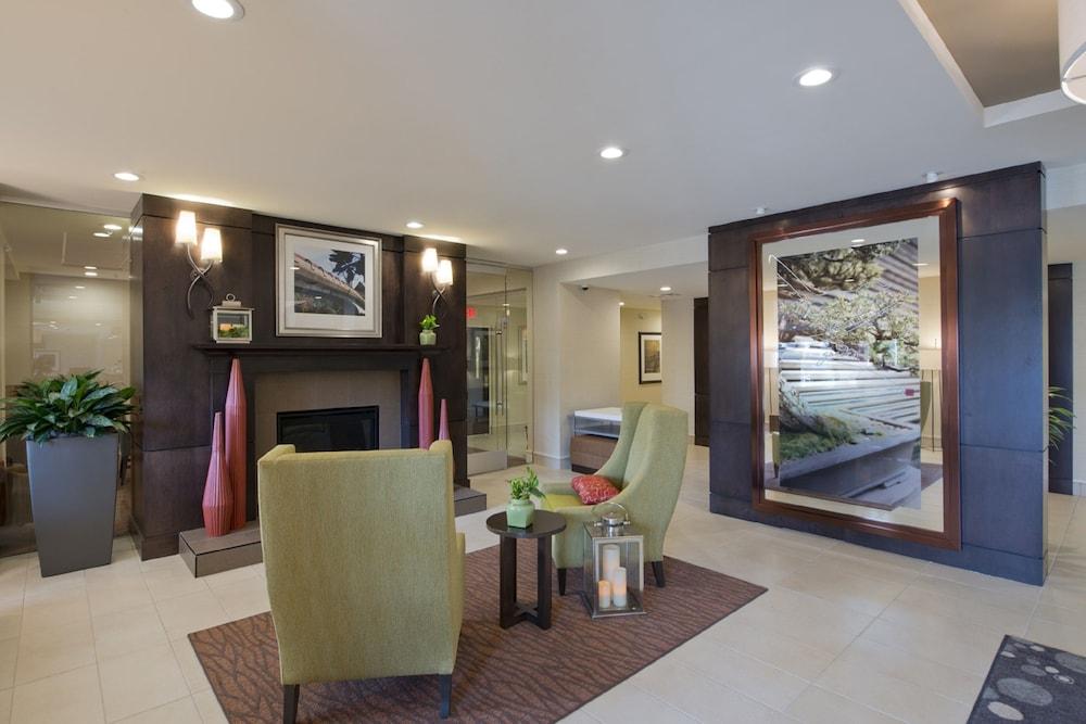hilton garden inn universityknoxville 30 out of 50 featured image interior entrance - Hilton Garden Inn Knoxville