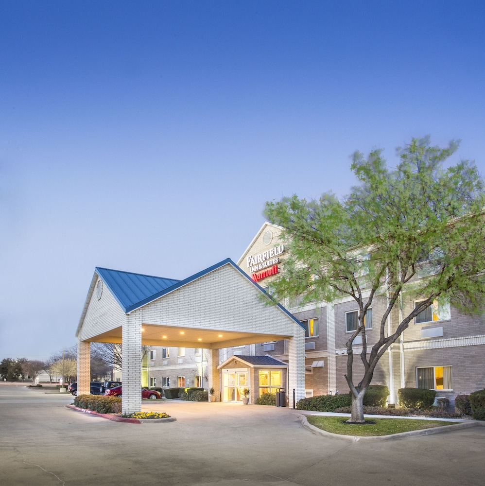Front of Property - Evening/Night, Fairfield Inn & Suites Dallas Plano