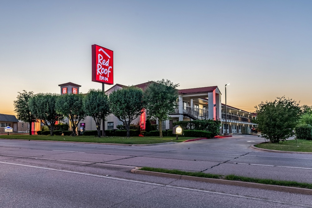 Front of Property - Evening/Night, Red Roof Inn Dallas - Mesquite