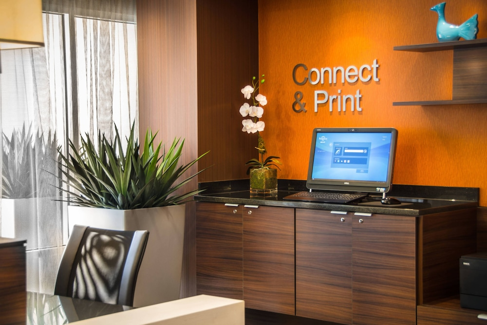 Business Center, Fairfield Inn & Suites by Marriott at Dulles Airport