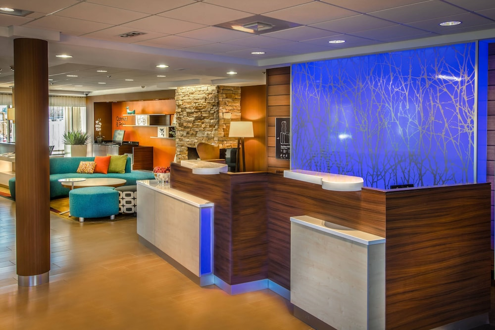Lobby, Fairfield Inn & Suites by Marriott at Dulles Airport