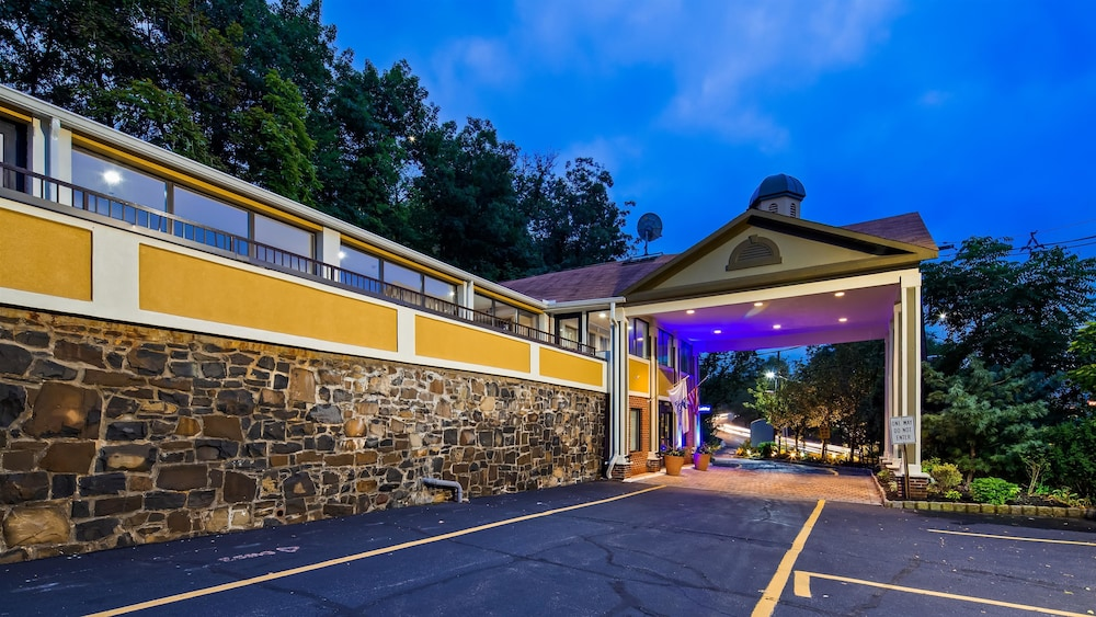 Featured Image, Best Western Fort Lee