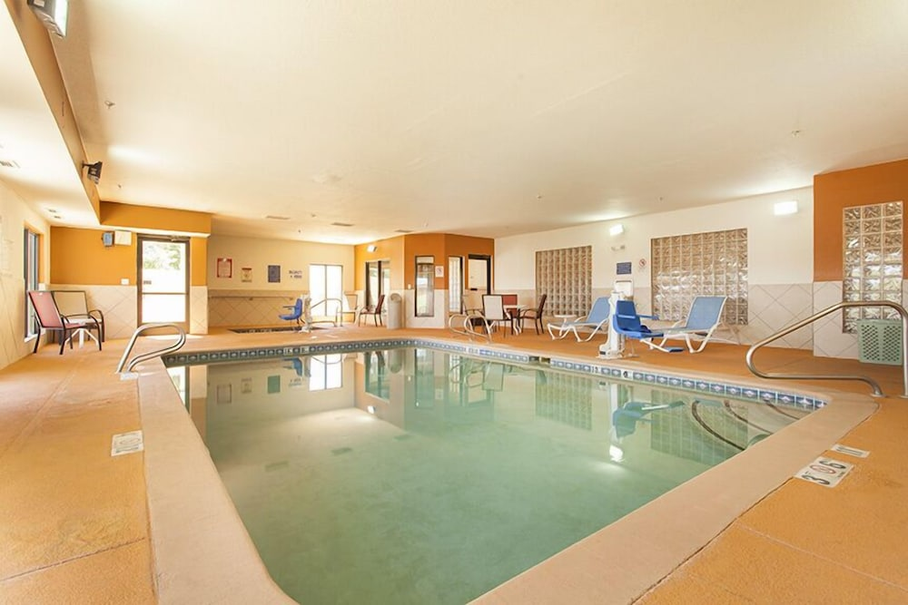 Indoor Pool, Holiday Inn Express And Suites Santa Fe, an IHG Hotel