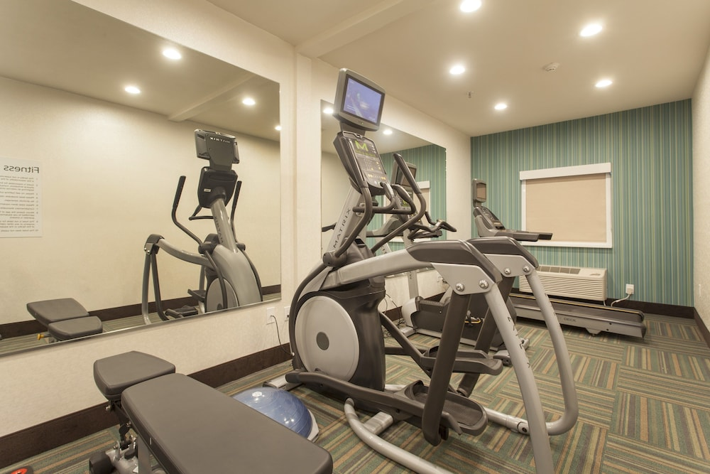 Fitness Facility, Holiday Inn Express And Suites Santa Fe, an IHG Hotel