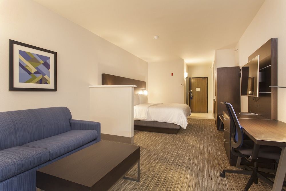 Room, Holiday Inn Express And Suites Santa Fe, an IHG Hotel