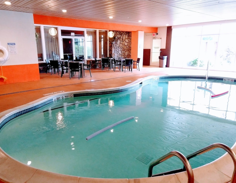 Indoor Pool, Tiki Resort