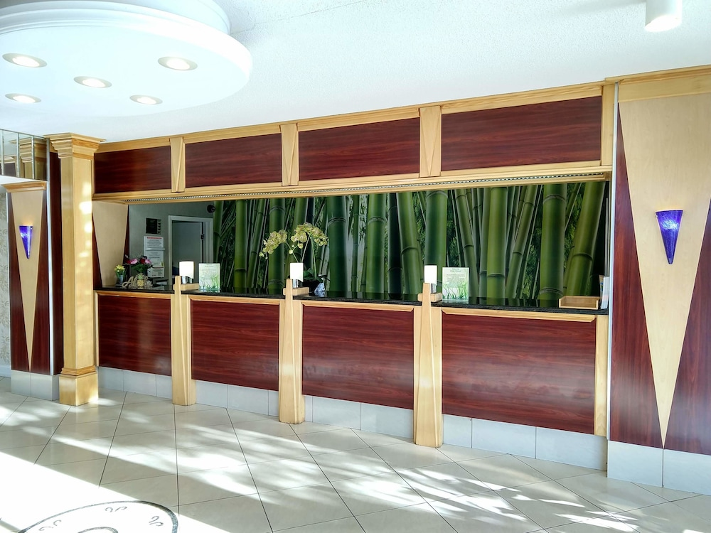 Reception, Tiki Resort