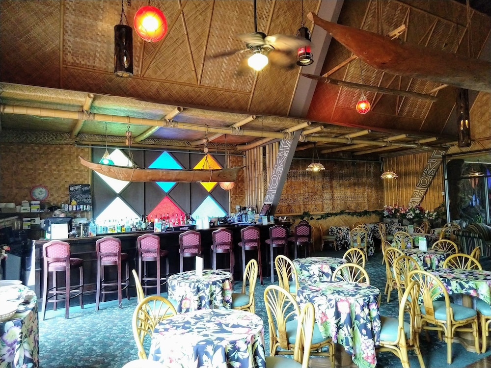 Bar, Tiki Resort