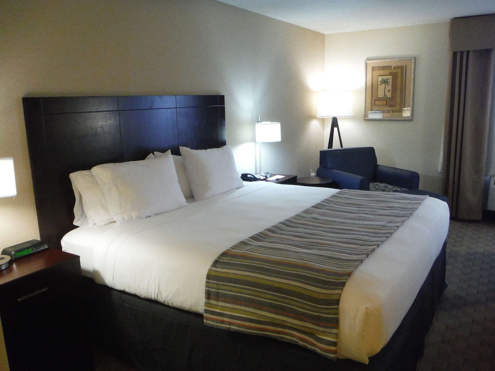 Room, Country Inn & Suites by Radisson, Fayetteville-Fort Bragg, NC