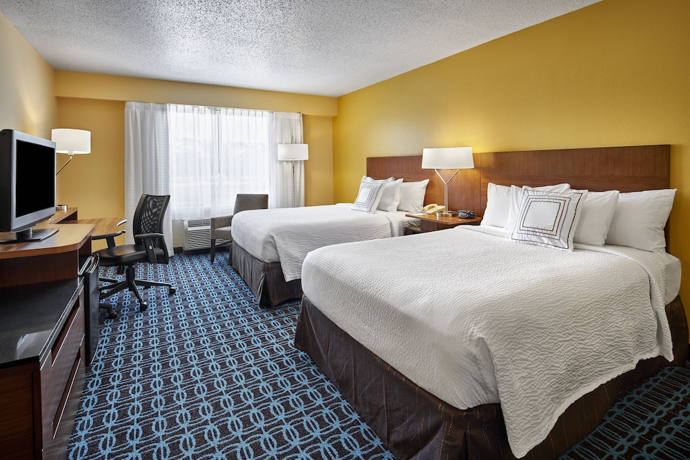 Room, Fairfield Inn by Marriott Myrtle Beach Broadway at the Beach