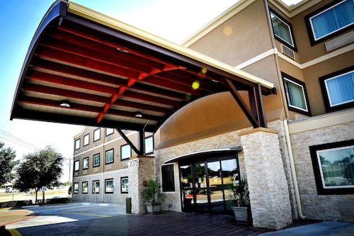 Best Western Plus Arlington North Hotel & Suites