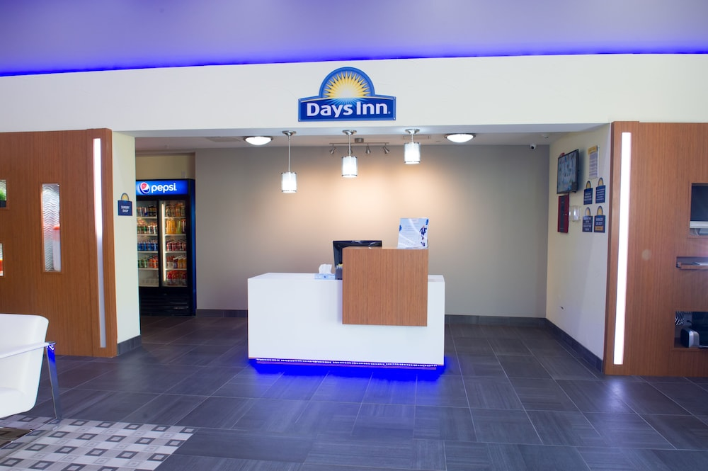 Check-in/Check-out Kiosk, Days Inn by Wyndham North Dallas/Farmers Branch