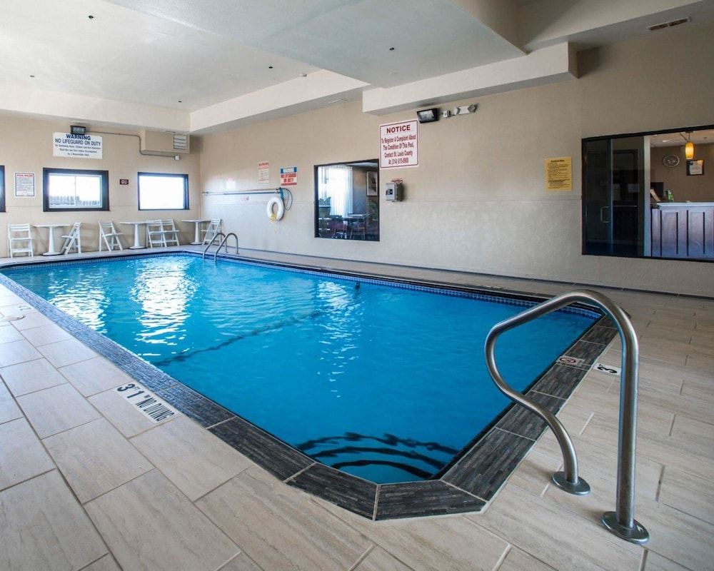 Indoor Pool, Comfort Inn & Suites Hazelwood - St. Louis