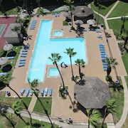 Royale Beach and Tennis Club, a VRI Resort