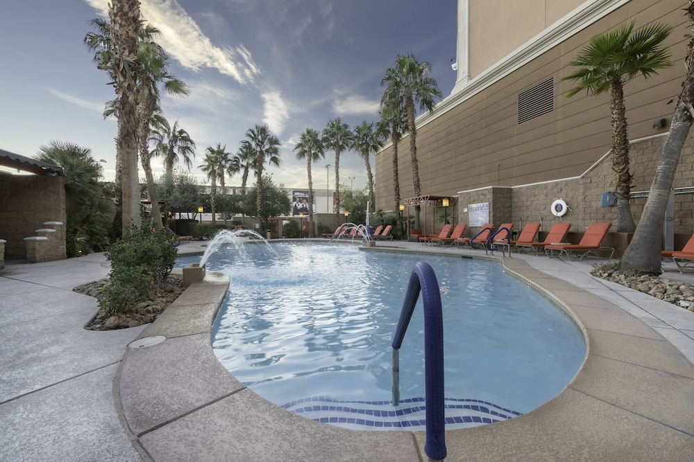 Outdoor Pool, Sam's Town Hotel & Gambling Hall