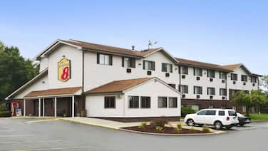 Super 8 by Wyndham New Castle