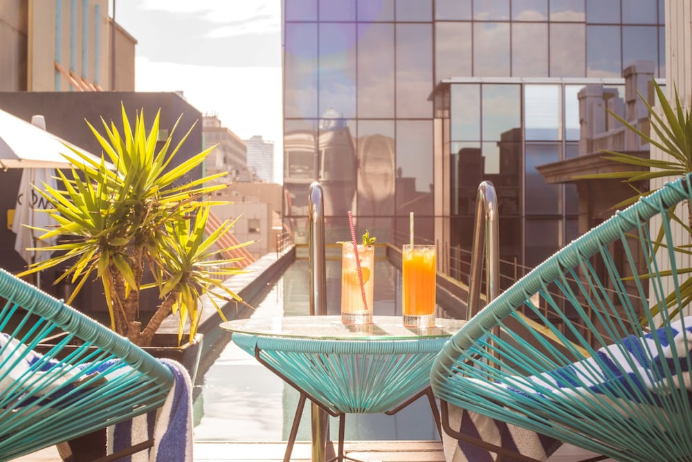 Adelphi hotel 2017 room prices deals reviews expedia - Adelphi hotel melbourne swimming pool ...