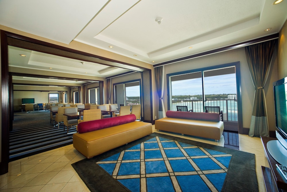 Executive Lounge, Sheraton Laguna Guam Resort