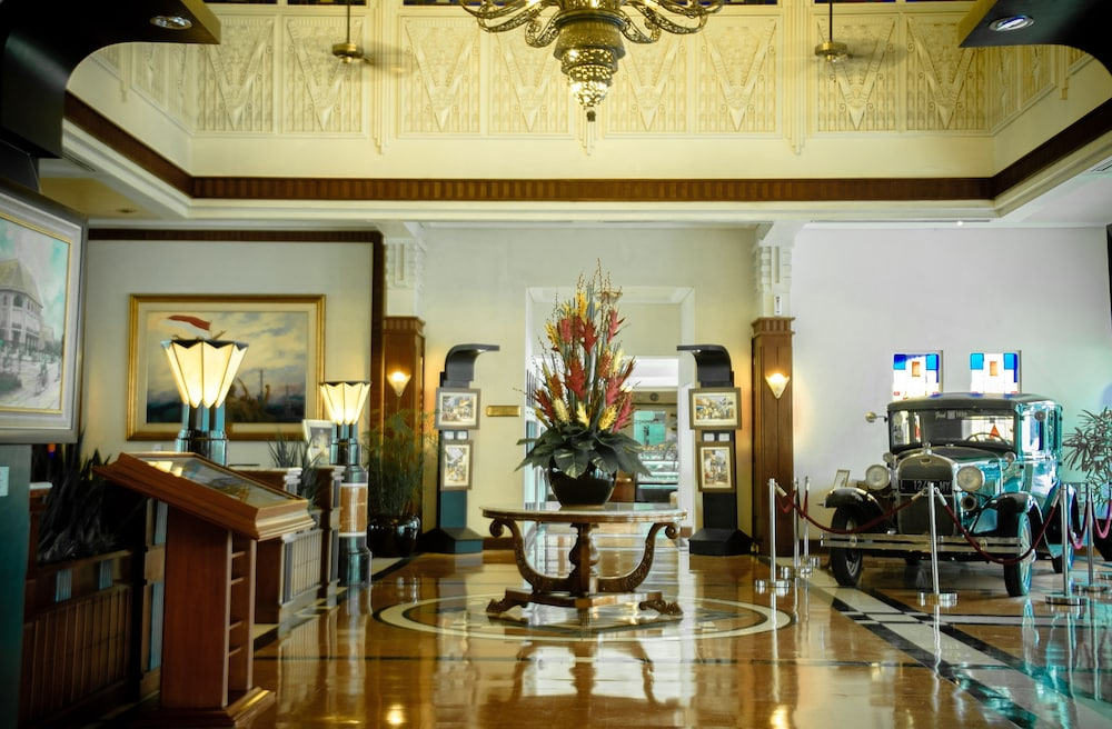 Hotel Majapahit Surabaya Managed by AccorHotels Deals & Reviews