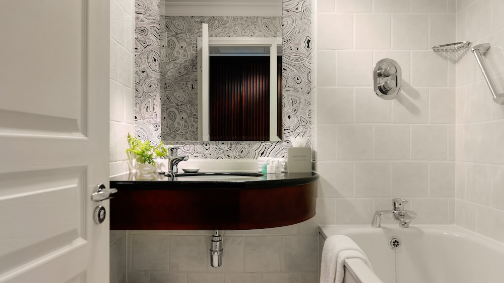 Bathroom, Herbert Park Hotel