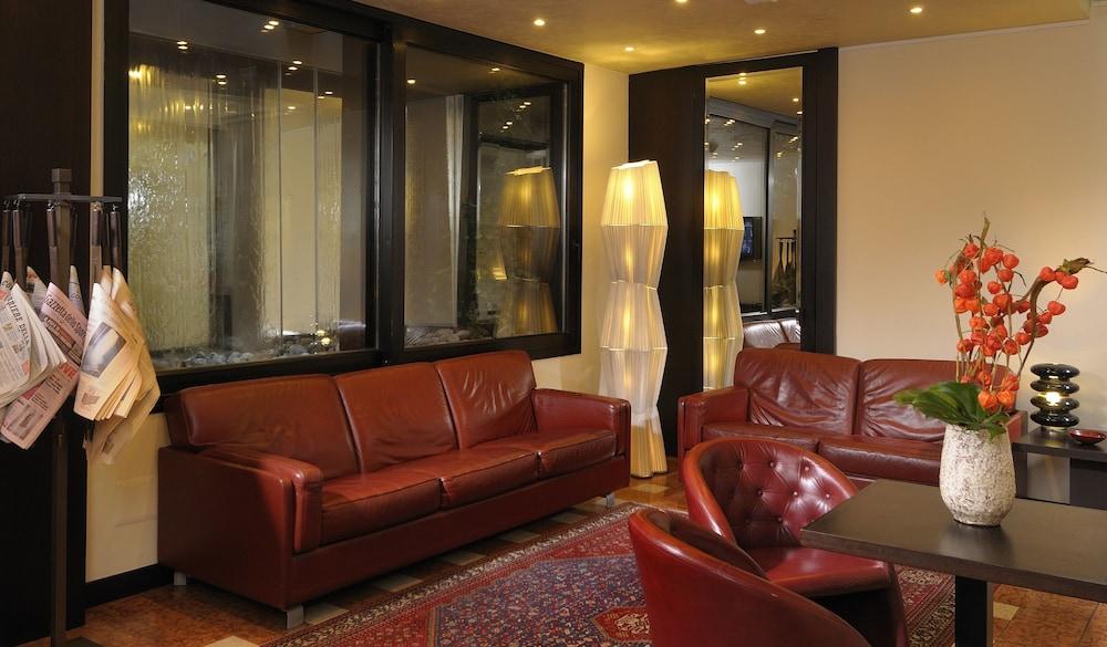 Al Cappello Rosso (Bologna) – 2019 Hotel Prices  4c0b3375140e