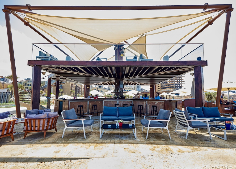 Lounge, Coral Beach Hotel and Resort Beirut