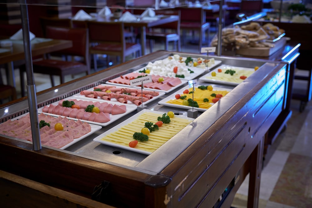 Buffet, Coral Beach Hotel and Resort Beirut