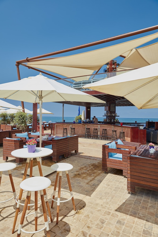 Sundeck, Coral Beach Hotel and Resort Beirut