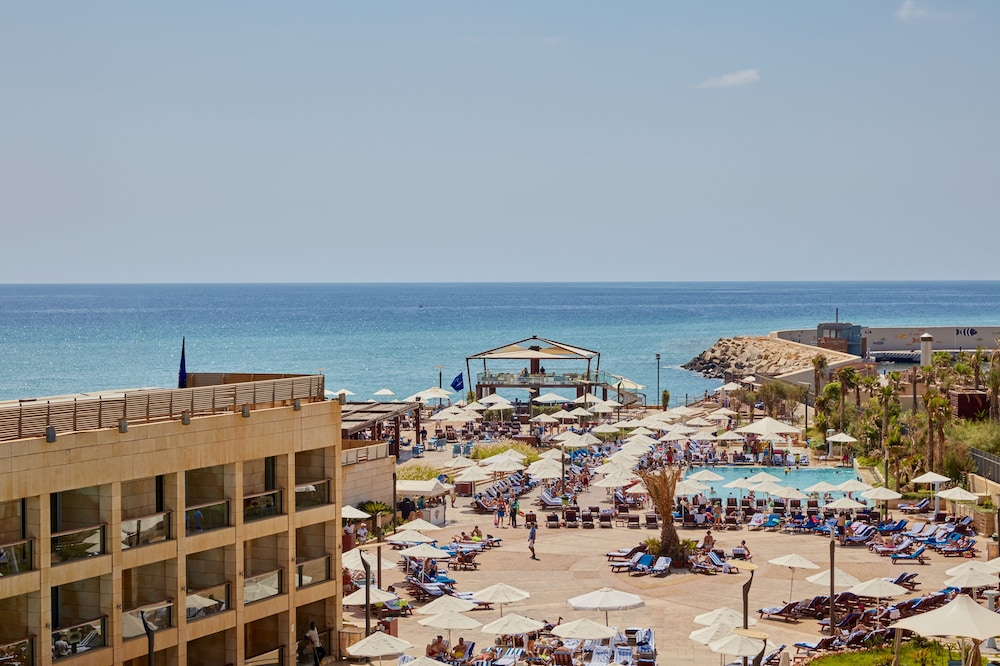 Outdoor Pool, Coral Beach Hotel and Resort Beirut