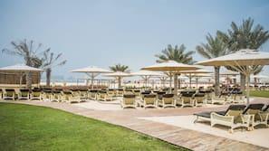 Spiaggia privata, lettini da mare, ombrelloni, immersioni subacquee
