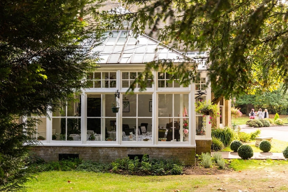 Woodland Manor Hotel Deals & Reviews (Bedford, GBR) | Wotif
