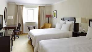 Premium bedding, free WiFi, linens, wheelchair access