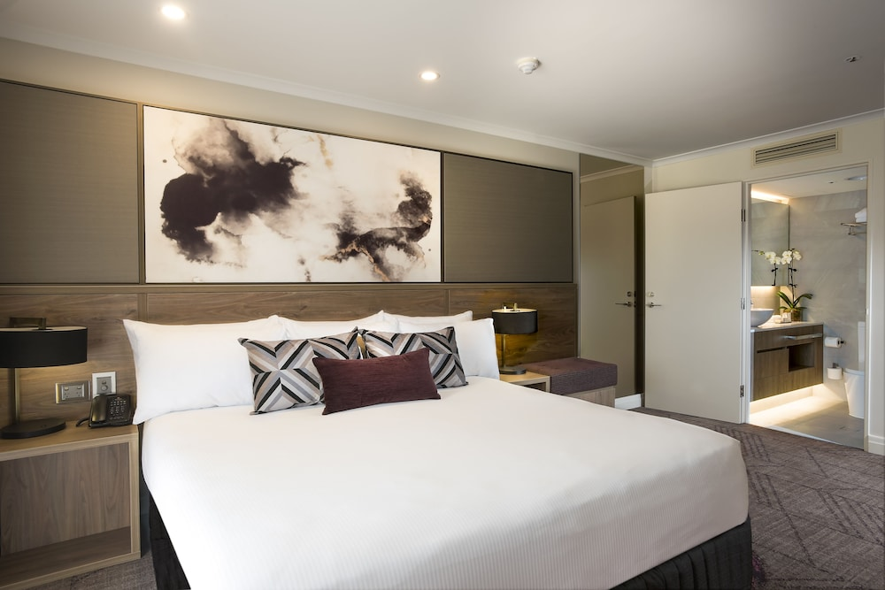 Room, Rydges South Bank